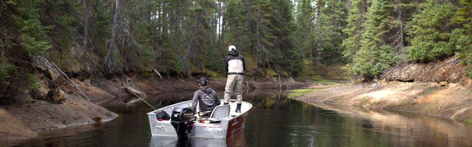 Pêche au Québec et chaloupe